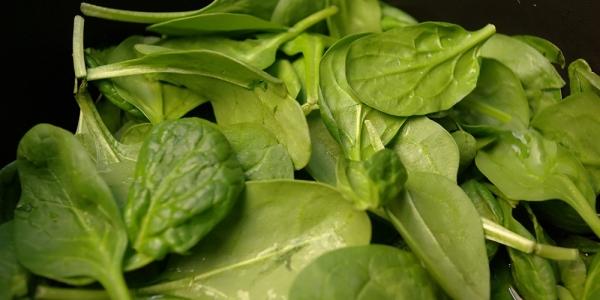 Spanacul - beneficii, valori nutritive, vitamine, calorii